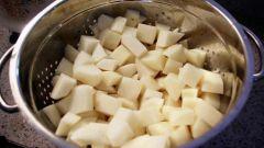 Как потушить картошку