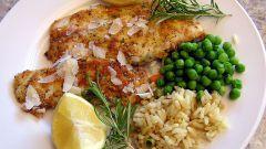 Как готовить рыбу в панировке из миндаля