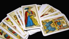 How to learn to read Tarot