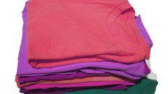 Как сворачивать футболку