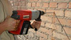Как сверлить стену