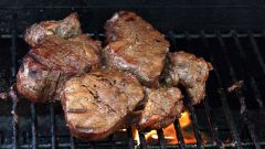 How to cook steaks on the grill