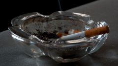 Как узнать курящего человека