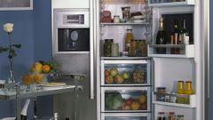 Как выбрать встроенный холодильник