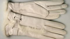 Как почистить белые перчатки