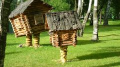 How to make a hut on chicken legs