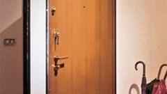 Как установить двери в проеме