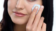 How to minimize pores on face at home