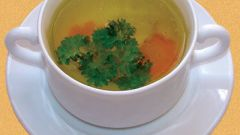 How to make a transparent chicken broth