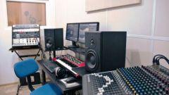 Как записать песню в студии