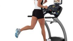 How to walk on a treadmill to lose weight