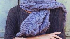 Как связать красивый шарф на спицах