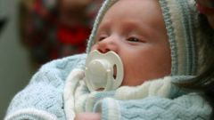 How to check the hearing of newborn
