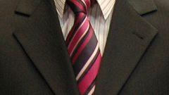 Как завязать простой галстук