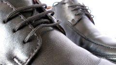 Как разносить ботинки