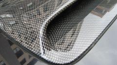 Как наклеить карбоновую пленку