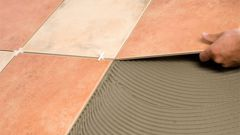 Как положить на пол керамическую плитку