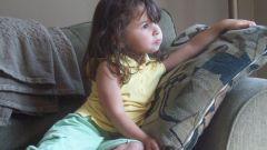 Как удалить пятна с дивана