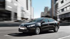 Как открыть капот Renault