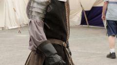 Как носить меч