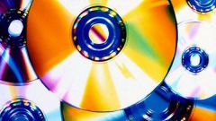 How to clean a DVD disk