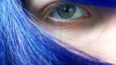 How to dye your hair in blue color