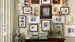 Как повесить фото на стену