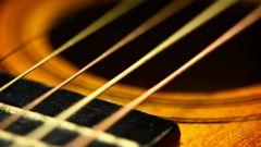 Как закрепить струны гитары