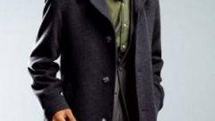 Как носить мужское пальто
