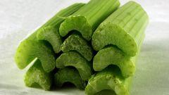 Как приготовить салат с сельдереем