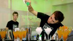 Как устроиться барменом
