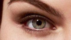 Как красить миндалевидные глаза