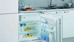 Как встроить обычный холодильник