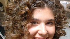 Как накрутить волосы на длинные бигуди