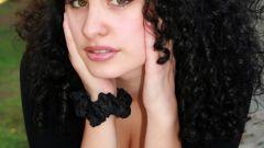 Как заставить волосы виться