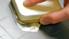 Как убрать царапины с пластика