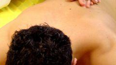 Как делать точечный массаж