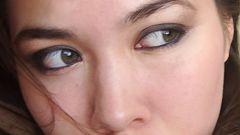 Как научиться делать правильный макияж