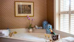 Как заделать акриловую ванну