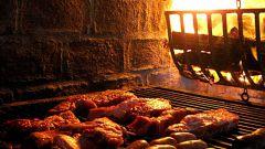 Как жарить колбаски