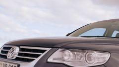 How to remove headlight for Touareg