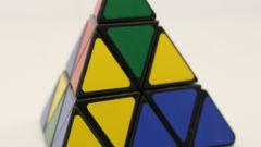Как собрать треугольный кубик Рубика