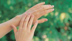 Как отмыть руки от суперклея