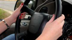 Как научиться водить девушке