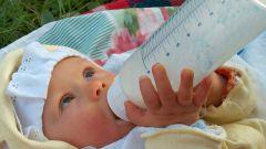 Как давать новорожденным