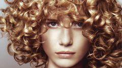 Как завить парик
