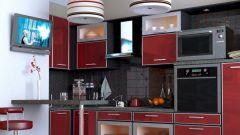 Как обыграть на кухне вентиляционный короб