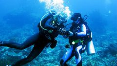 How to fill scuba