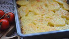 Как запечь картошку с сыром в духовке