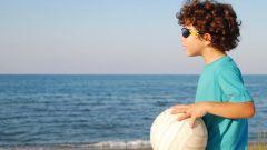 Как защитить ребенка летом от солнца